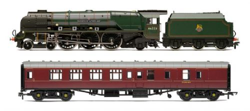 Hornby R3221  LMS Duchess Of Sutherland & Support Coach